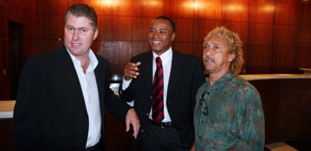 Wilson Mano (e), Paulo Sérgio e Biro-Biro durante evento do Corinthians em 2006