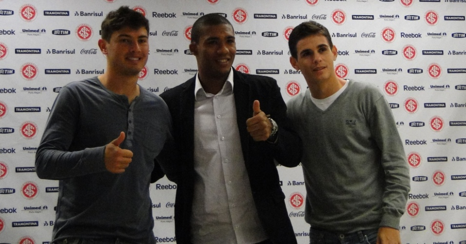 Zagueiros Romário e Juan e o meia Oscar foram convocados para a seleção que disputa o Mundial sub-20 (16/06/2011)