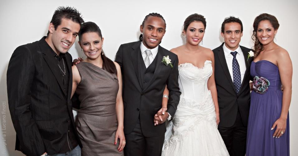 Ilsinho e Jadson participam de casamento de Willian