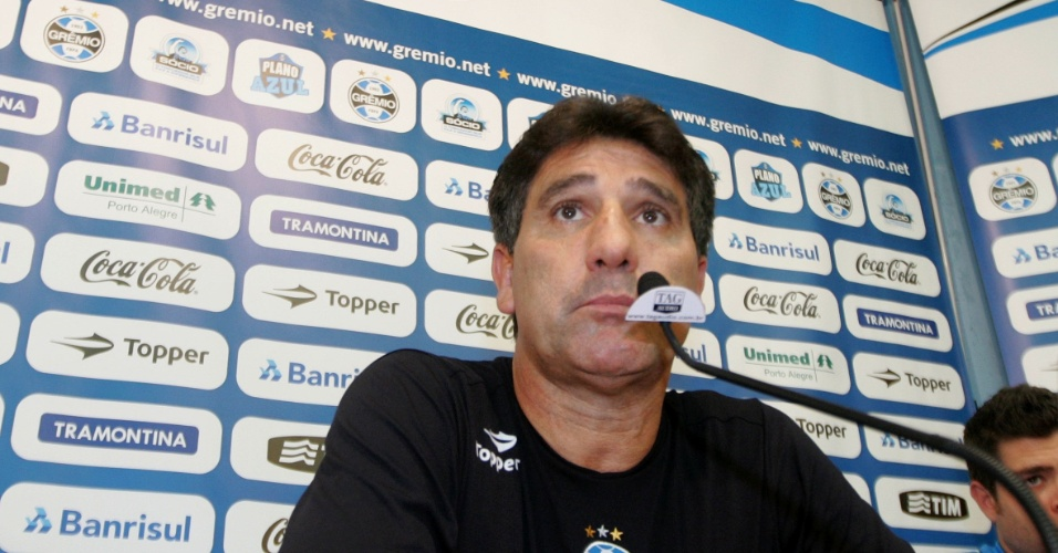 Renato Gaúcho concede entrevista coletiva no Olímpico (19/06/2011)
