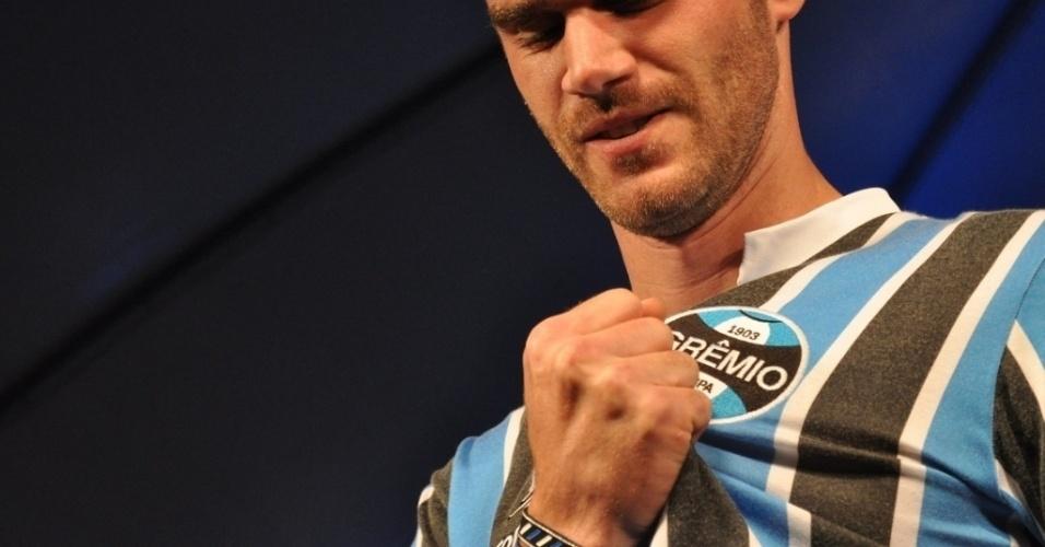 Grêmio lança linha de roupas assinada pelo técnico Renato Gaúcho (21/06/2011)