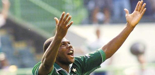 Cléber fez história com a camisa do Palmeiras na década de 90