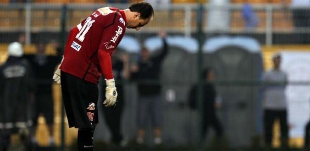Rogério Ceni, goleiro do São Paulo, lamenta falha em goleada diante do Corinthians (26/06/2011)