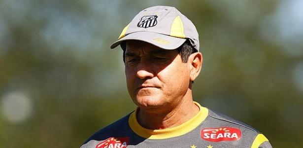 Muricy Ramalho comanda treino do Santos no CT Rei Pelé (28/06/2011)