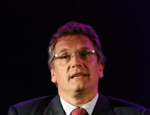Jérôme Valcke, secretario geral da Fifa, queria adiantar o anúncio para julho, mas a entidade não conseguiu mudar a data da reunião da entidade que poderia confirmar as decisões