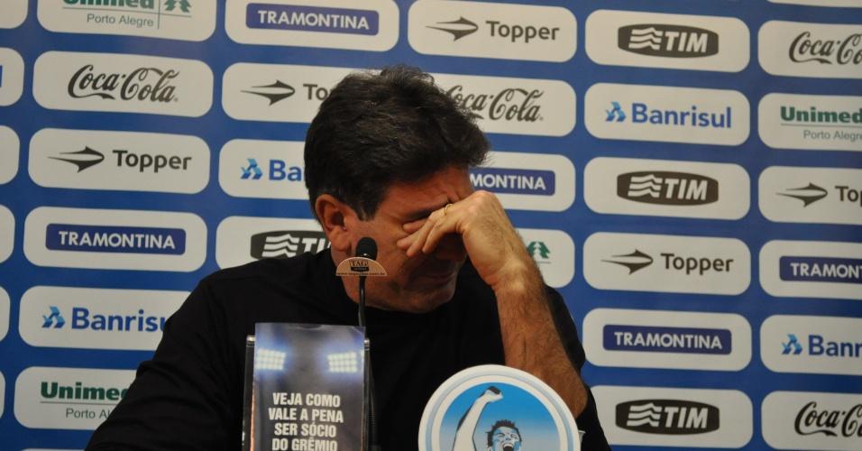 Renato Gaúcho chora em entrevista de despedida no Grêmio (30/06/2011)