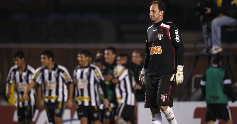 Rogério Ceni lamenta gol do Botafogo em derrota do São Paulo (29/06/11)