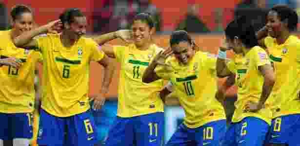 d806f40f71 Marta e Cristiane voltam à seleção para disputa de torneio internacional em  São Paulo