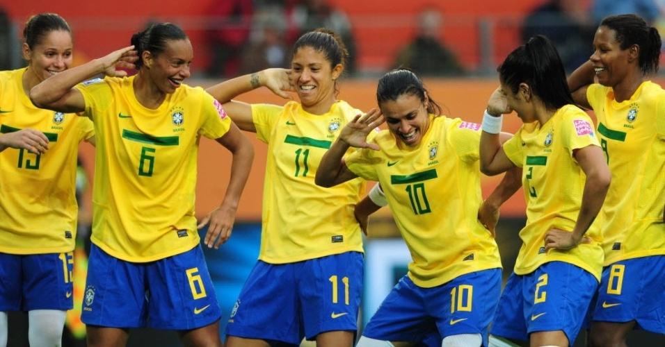 Marta comemora gol da seleção brasileira no Mundial Feminino