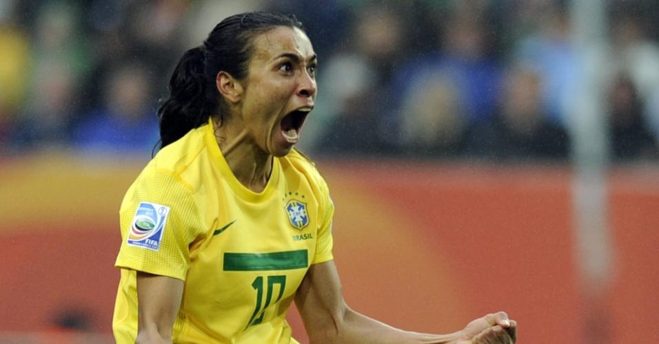 Marta comemora gol do Brasil contra a Noruega