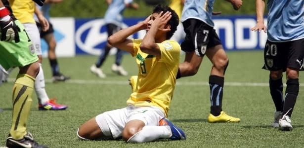 Marlon lamenta uma das muitas oportunidades perdidas pelo Brasil na semifinal