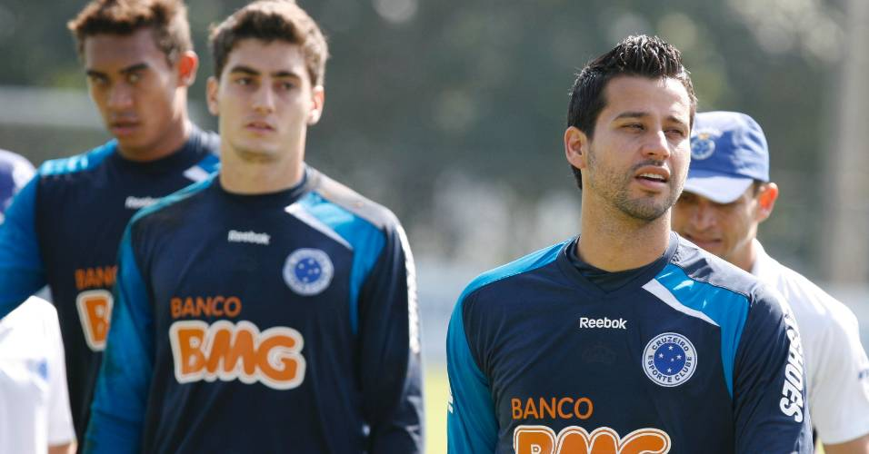 Fábio durante treino do Cruzeiro na Toca da Raposa II (8/7/2011)