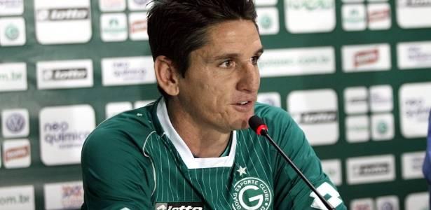 Volante Marcinho Guerreiro é apresentado oficialmente pelo Goiás (11/07/2011)