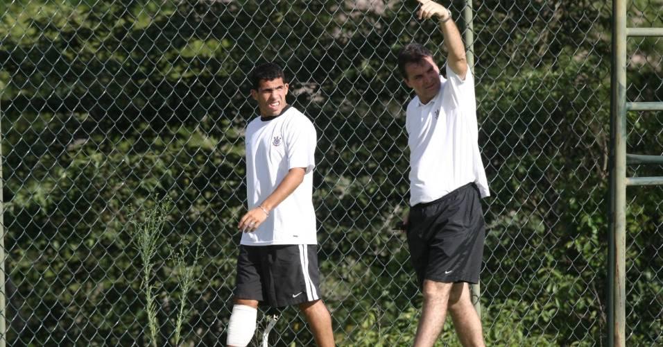 Carlitos faz pré-temporada junto com o elenco corintiano em 2004