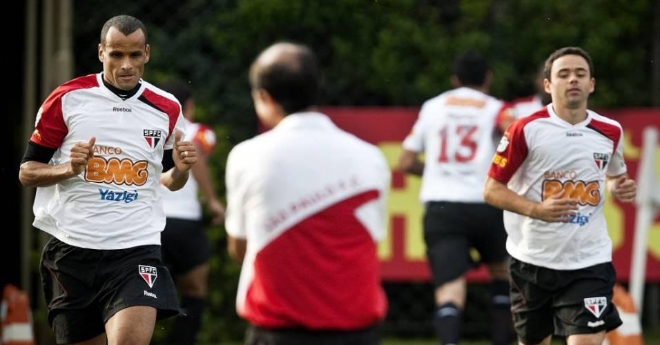 Rivaldo e Juan treinam no São Paulo