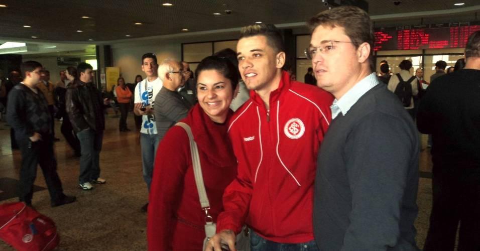 Apesar da derrota, delegação do Inter recebeu bom assédio na volta para P. Alegre (15/07/11)