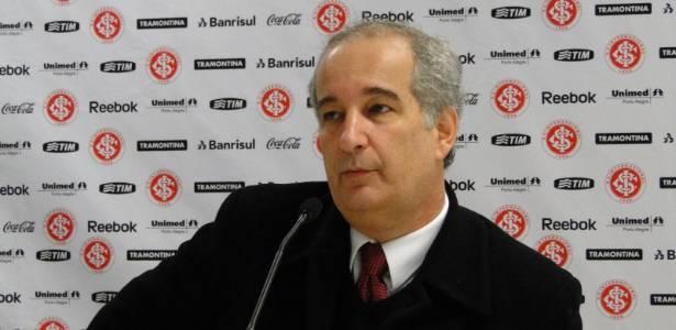 Presidente G. Luigi foi convidado para conhecer as negociações do Banrisul com a AG