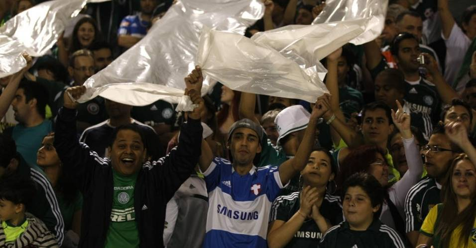 Palmeirenses fazem a festa durante a despedida do Parque Antarctica no amistoso contra o Boca Juniors