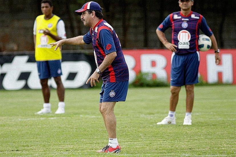 René Simões comanda treinamento no Bahia (20/07/2011)