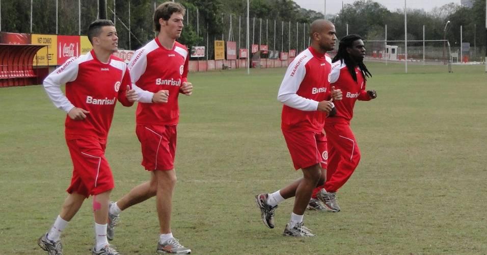 D'Alessandro, Bolatti, Rodrigo Moledo e Tinga no treino físico do Inter (23/07/2011)