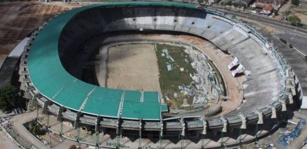Estádio do Castelão, em Fortaleza, está sendo desmontado pelo governo estadual