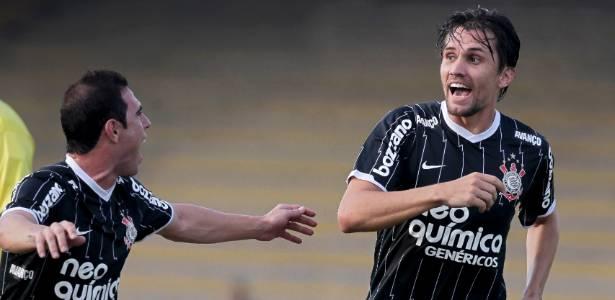 Paulo André em ação pelo Corinthians; zagueiro posicionou-se a respeito da CBF