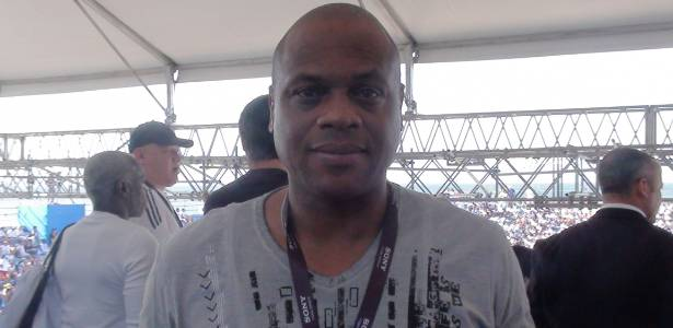 Ex-zagueiro Ronaldão em evento do futebol de areia no Rio na última semana - Bruno Freitas/UOL