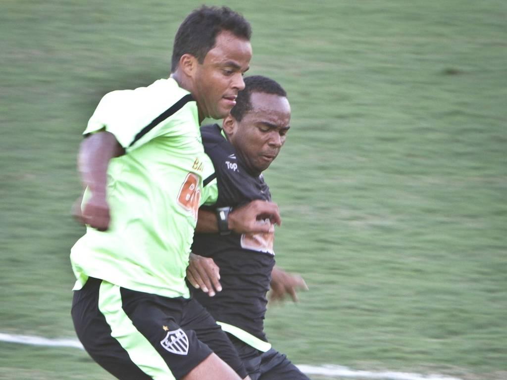 Mancini durante treino do Atlético-MG na Cidade do Galo (4/8/2011)