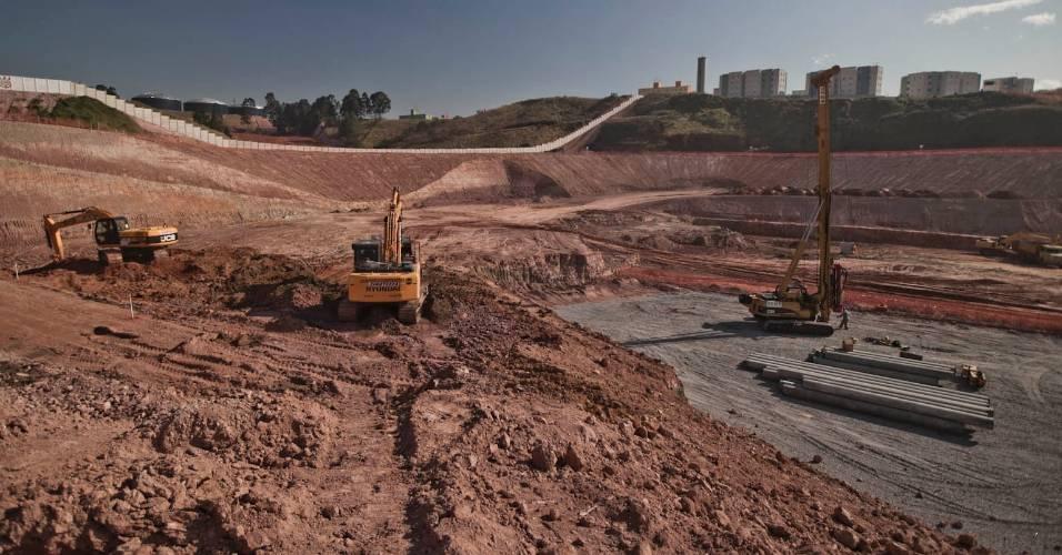 Obras do futuro estádio do Corinthians seguem a todo vapor em Itaquera (05/08/11)