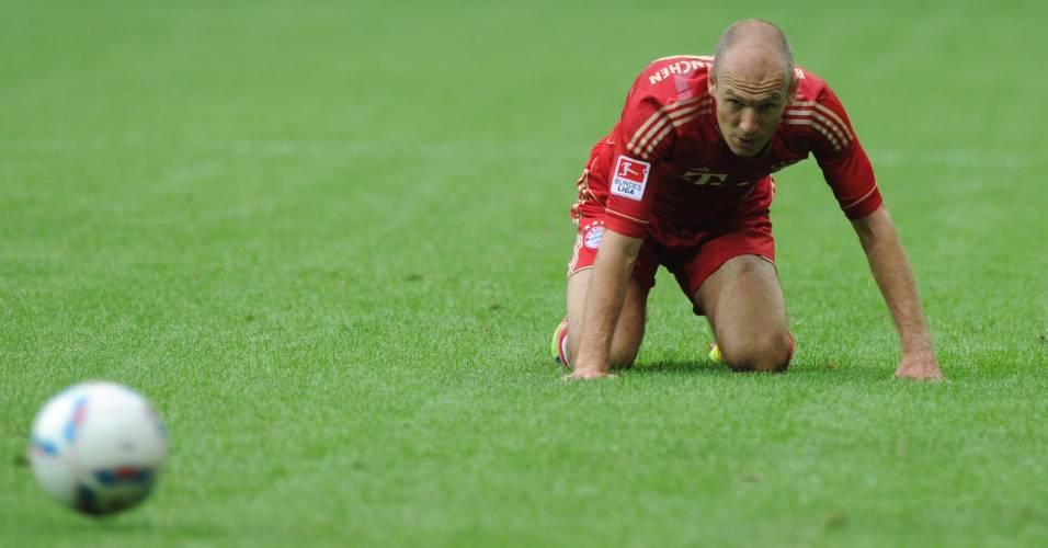 Arjen Robben cai durante derrota do Bayern de Munique contra o Borussia Mgladbach