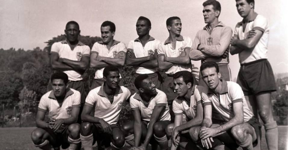 Jogadores da seleção brasileira posam para foto em 1962