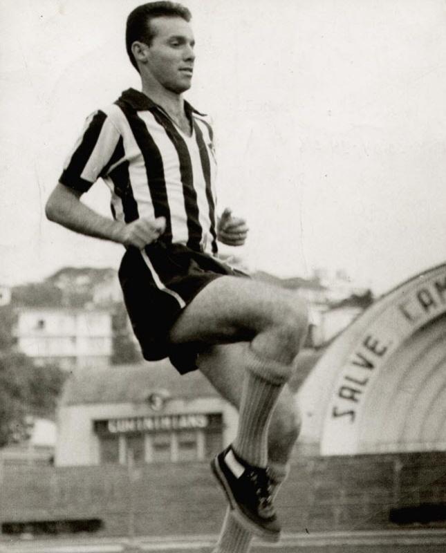 Zagallo durante treino do Botafogo, no estádio do Pacaembu, em São Paulo (1961)