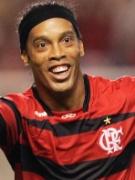 Ronaldinho comemora gol do Flamengo contra o Grêmio no Brasileirão