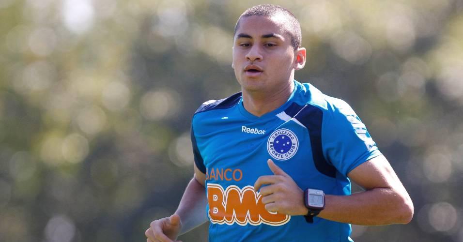 Wellington Paulista volta a treinar no Cruzeiro (9/8/2011)