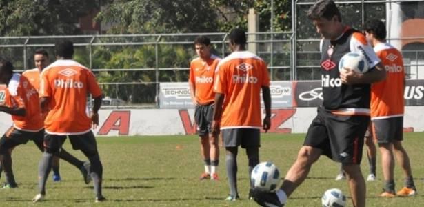 Técnico Renato Gaúcho, em treinamento do Atlético-PR
