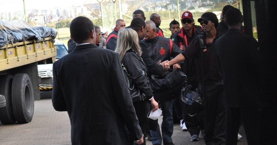 Flamengo desembarca em Porto Alegre para partida contra o Inter (20/08/2011)