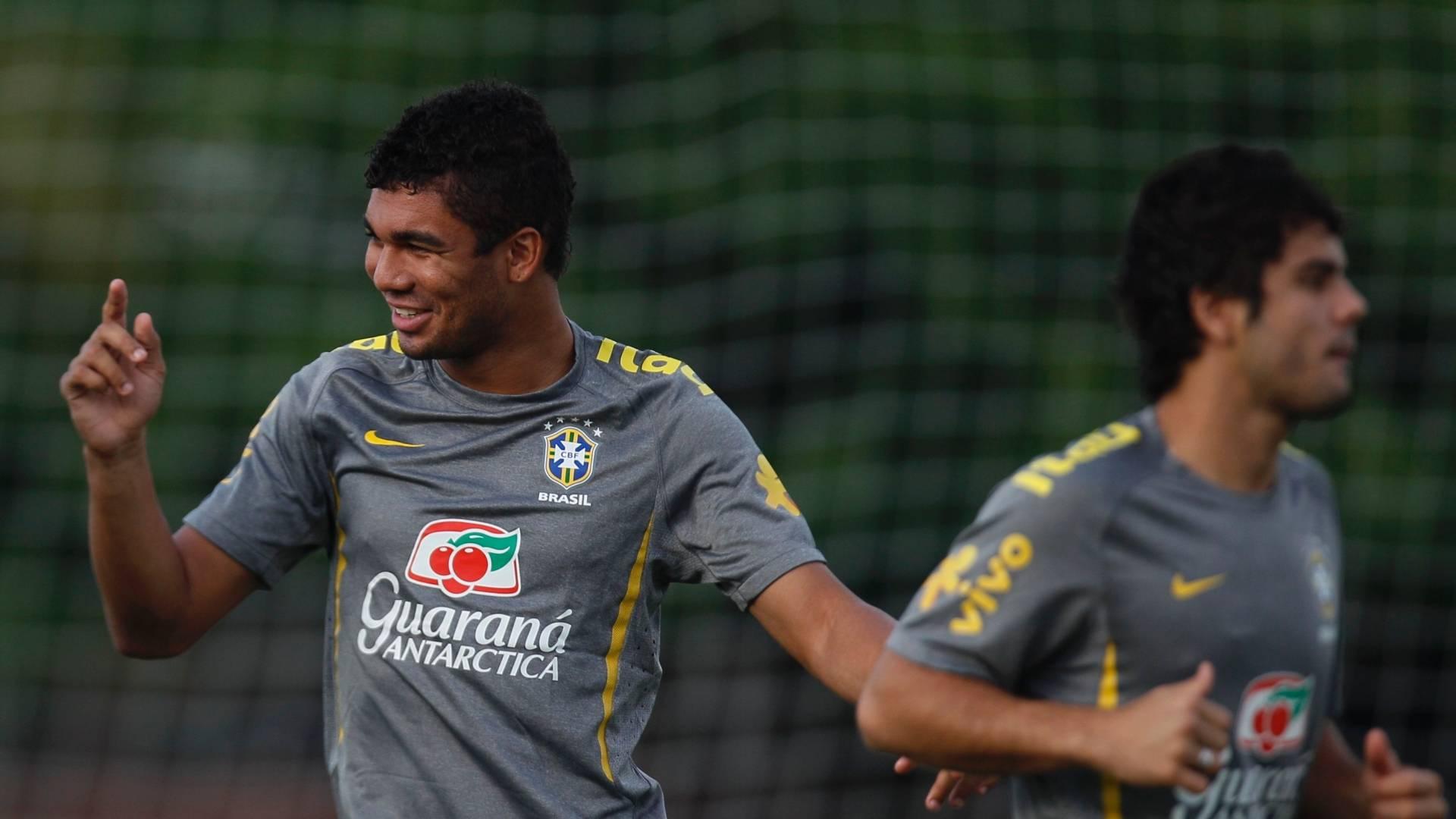 Clube vinha mantendo conversas com Casemiro e Henrique desde junho