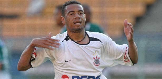 Destaque do Corinthians entre 2000/05, Gil teve passagens frustrantes em outros times