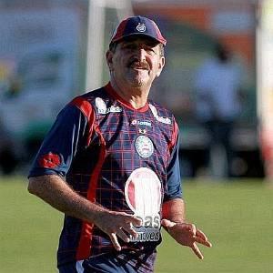 René Simões comanda treino do Bahia no Fazendão (29/06/2011)