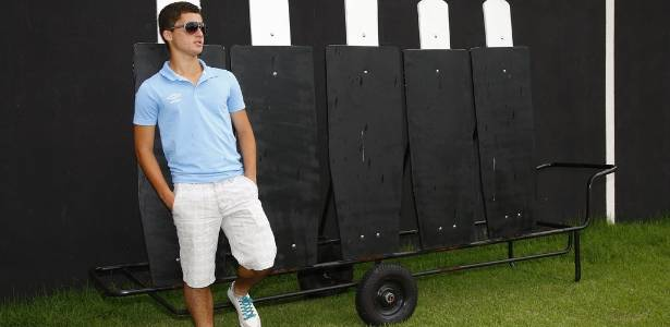 Pai de Chera diz que Flamengo pagou dívida; São Paulo descarta contratar jovem