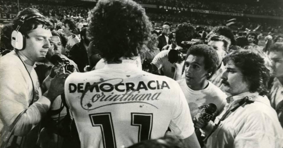 Sócrates, durante final do Paulistão, entre Corinthians e São Paulo, em 14/12/1983