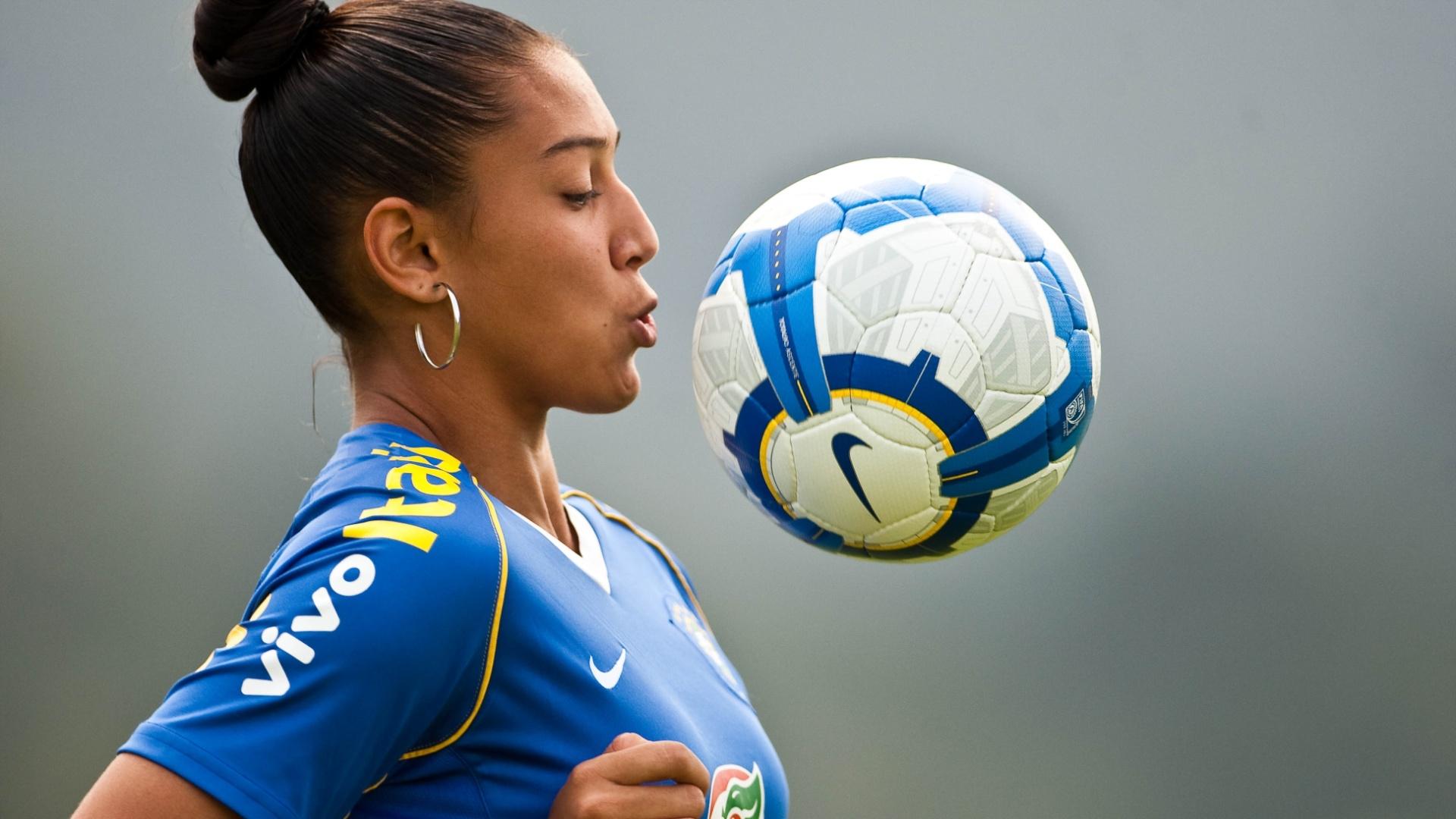 Beatriz está entre as jogadoras brasileiras convocadas para o Pan