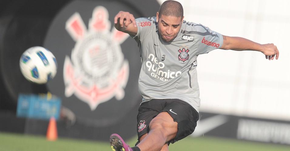 Adriano participa de treino do Corinthians (16/09/2011)