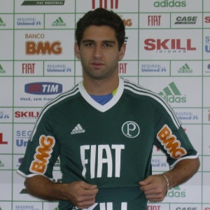 Pedro Carmona iniciou entre os reservas, que fizeram 3 a 0. Mudou de time e o placar virou: 4 a 3
