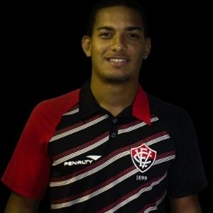 Renan Silva, meia do Vitória