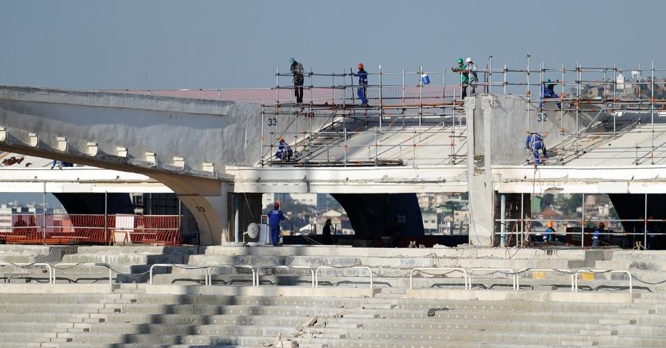 Obras no Maracanã para a Copa-2014 são retomadas após fim da greve de operários (19/09/11)