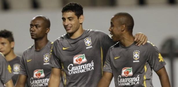 Diego Souza (c) está mais uma vez convocado para a seleção brasileira