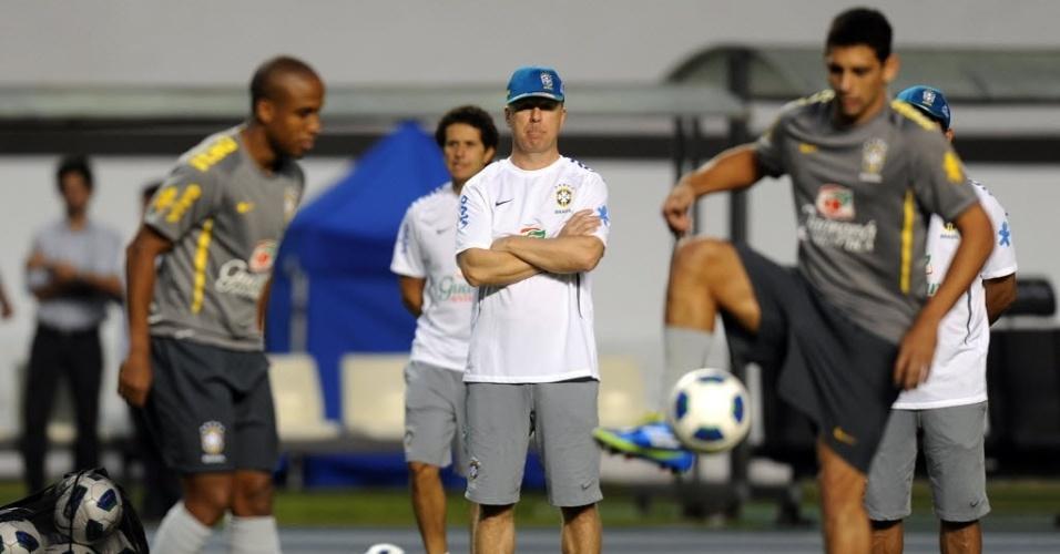 Mano Menezes comanda treino com Borges e Diego Souza em Belém, antes da partida de quarta-feira contra a Argentina