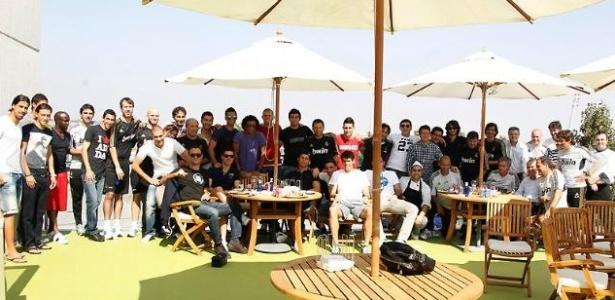 Jogadores do Real Madrid participam de churrasco promovido pelo técnico Mourinho