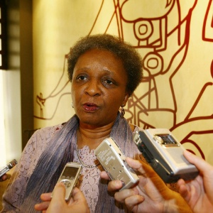 A ministra Luiza Bairros é favorável à campanha antirracismo durante a Copa de 2014